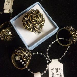 Jewelry - Antique gold rose boquet cz ring